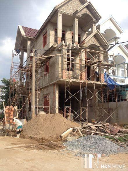 Nhà thầu xây thô