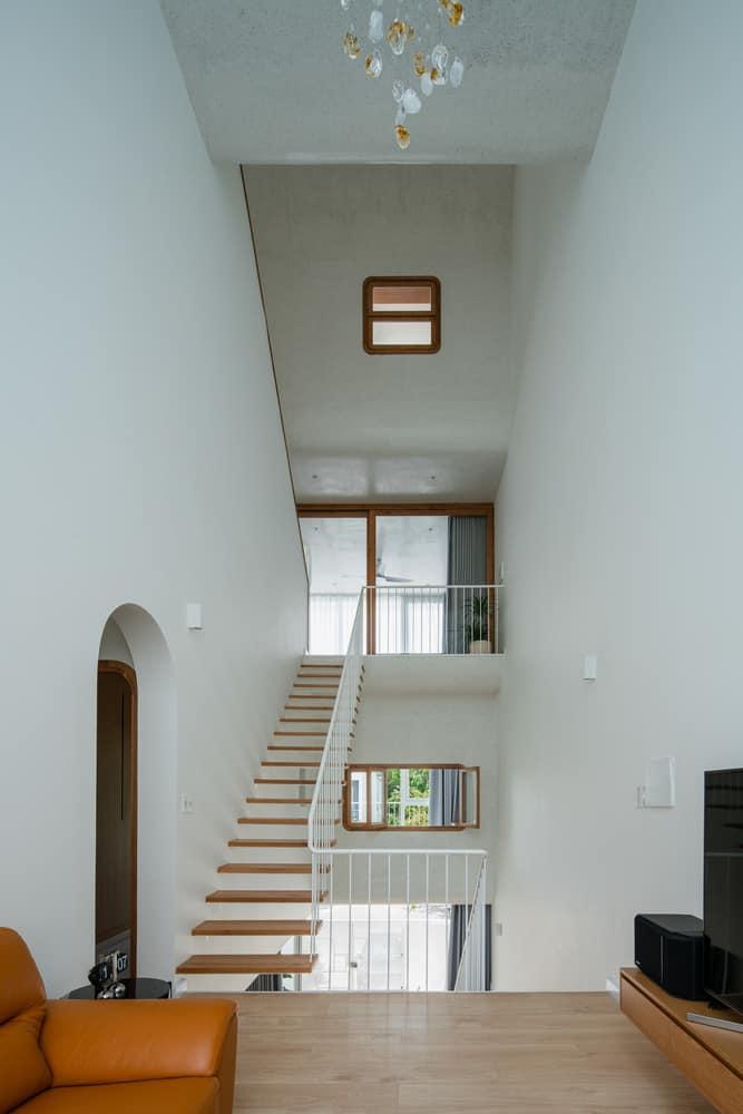 thiết kế nhà 1 trệt 4 lầu